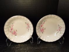 TWO beautiful W S George Bolero Peach Blossom Gold Trim Coupe Cereal Bowls. A very Popular Peach Blossom Pattern that has been handed down from generation to generation since the late Peach Blossoms, Cereal Bowls, Pie Dish, China, Plates, Nice, Tableware, Gold, Vintage