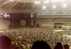 Pink Floyd In the Flesh Tour Montreal June 1977 I was there! Upper-right, from stage! I will never forget that day! July (not June) Amazing! Pink Floyd Tour, Pink Floyd Live, Pink Floyd Concert, Le Concert, Brick In The Wall, Brian Wilson, David Gilmour, Musica Punk, Psychedelic Music