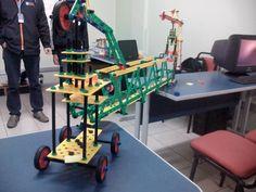 Desafio de construção de ponte em sala de aula2 Baby Strollers, Diy, Children, Food, Home Decor, Challenges, Log Projects, Baby Prams, Young Children