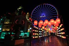 Vietnam's longest lantern street opens in Da Nang    More than 3,000 lanterns will light up Asia Park in the city during the Mid-Autumn Festival      Authorities in the central city of Da Nang have kicked off the month-long display of over 3,000 lanterns at Asia Park to mark Vietnam's National Day (September 2).      The event is also... #vietnamtravelnews #vntravelnews #vietnamnews  #traveltovietnam #vietnamtravel #vietnamtour