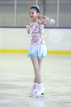 Фигурное катание на коньках. Женщины   Sketches of costumes by mail
