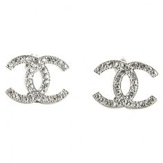 Silver Metal Earrings CHANEL ($235) ❤ liked on Polyvore featuring jewelry, earrings, accessories, chanel, chanel jewelry, earring jewelry, chanel jewellery and chanel earrings