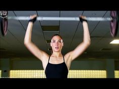 """How Gal """"Wonder Woman"""" Gadot Workout Training - Nona Gaya Batman V Superman Movie, Dc Comics, Workout Routines For Women, Workout Tips, Workout Plans, Really Funny Pictures, Gal Gadot Wonder Woman, Heath And Fitness, Eyes On The Prize"""