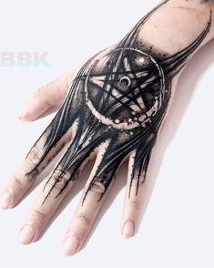 ✖️Sick hand tattoo done by the great artist ✖️I love this artist. - ✖️Sick hand tattoo done by the great artist ✖️I love this artist… – ✖️Sick - Finger Tattoos, Side Hand Tattoos, Finger Tattoo For Women, Small Hand Tattoos, Hand Tattoos For Guys, Body Art Tattoos, Sleeve Tattoos, Tattoos For Women, Leg Tattoos