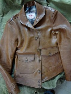 Jacket from Thedi Leather Men's Leather Jacket, Vintage Leather Jacket, Vest Jacket, Leather Jackets, Bomber Jacket, Dapper Suits, Motorcycle Suit, Mens Gloves, Gentleman Style