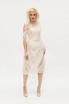 Kleid aus Organza und Seide mit Applikation; inspiriert nach dem Stadtplan des Leipziger Zentrums   #hochzeit #kleid #organza #seide #applikation #leipzig #karte #citycard #corsage #avantgarde