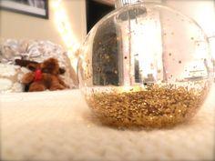 Glitter ornament DIY #christmas #glitter #diy #holiday