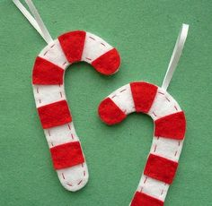 candy cane ornaments - my girls would enjoy making these!!