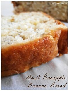 Moist Pineapple Banana Bread at www.Jamhands.net
