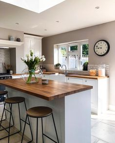 Beautiful wood-topped kitchen counters with a lovely farmhouse sink and flowers. Kitchen Room Design, Home Decor Kitchen, Kitchen Interior, New Kitchen, Home Kitchens, Kitchen Counters, Small Open Plan Kitchens, Open Plan Kitchen Dining Living, Living Room Kitchen