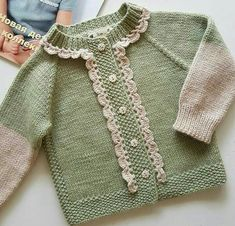 Strickjacke, The Effective Pictures We Offer You About Baby Alive Clothes Patterns A qu Baby Sweater Knitting Pattern, Knitted Baby Cardigan, Knit Baby Sweaters, Baby Knitting Patterns, Baby Patterns, Knitting Ideas, Cardigan Bebe, Pull Bebe, Knit Baby Dress