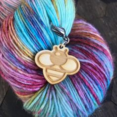 Sweet bumble bee progress keeper to keep you company while you knit. Created by Sleepy Sheep Workshop Crochet Tools, Knit Crochet, A Hook, Stitch Markers, You Bag, Sheep, Workshop, Knitting, Pattern
