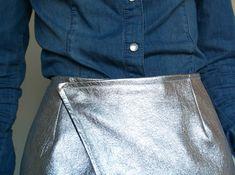 Dare to DIY: Tutorial DIY: Cómo hacer una wrap skirt Diy Fashion, Ideias Fashion, Fashion Outfits, Womens Fashion, Denim Button Up, Button Up Shirts, Diy Clothes, Diy Tutorial, Pattern
