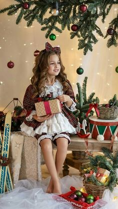 Christmas Photos, Kids Christmas, Merry Christmas And Happy New Year, Beautiful Children, Cute Kids, Cute Animals, Christmas Decorations, Photoshoot, Portrait