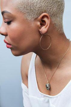 Blonde Afro, Blonde Hair Black Girls, Short Grey Hair, Black And Blonde, Short Hair Cuts, Pixie Cuts, Short Pixie, Ethnic Hairstyles, Girl Hairstyles