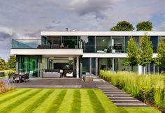 Casa de Campo moderna en las orillas del río Támesis http://www.arquitexs.com/2014/08/casa-de-campo-en-berkshire.html