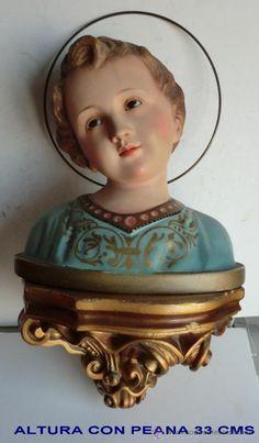 Imagen antigua realizada en estuco policromado representando al Niño Jesús  con peana 33 cms altura (Antigüedades - Religiosas - Ornamentos Antiguos)