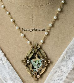 Vintage Necklace/Gathering Flowers by thevintagerevivals on Etsy