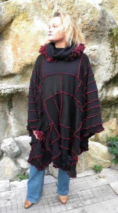 Poncho patchwork long noir à capuche