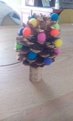 Pine cone christmass tree
