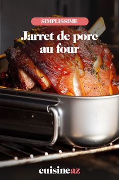 Jarret de porc au four Baked pork shank is a warm and friendly dish, ideal for rainy days. Nutella Brownies, Food N, Food And Drink, Baked Pork, Traditional Decor, Christmas Traditions, Risotto, Entrees, French Toast