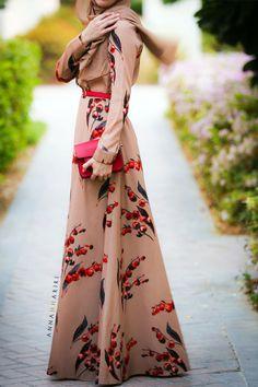 45 Elegant Muslim Outfits Ideas For Eid Mubarak - VIs-Wed Arab Fashion, Muslim Fashion, Modest Fashion, Fashion Outfits, Modest Dresses, Modest Outfits, Woman Dresses, Long Dresses, Batwing Dress