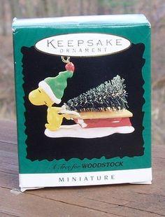 1996 Hallmark Keepsake A TREE FOR WOODSTOCK Snoopy MINIATURE ORNAMENT