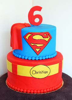 Superman home made cake ideas fiesta Pinterest Cup cakes