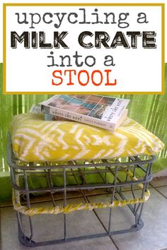 A milk crate Repurposed into a stool -Κιβώτιο γάλα μετατράπηκε σε σκαμνί - The Boondocks Blog Diy Furniture Projects, Repurposed Furniture, Diy Craft Projects, Furniture Makeover, Upcycling Projects, Diy Crafts, Metal Milk Crates, Metal Bins, Wooden Crates Christmas