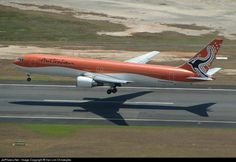 Touchdown CNS from OOL VH-OGI Australian Airlines Boeing 767-336