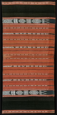 Ikat homnon or lavra (sarong) from Kisar, Moluccas, Indonesia. Before 1950.