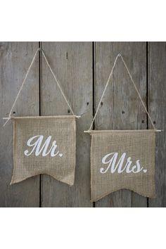 Fanions Dos de chaises MR MRS toile de jute pour un mariage chic, vintage et rétro