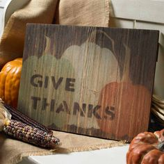 Christmas Wood Crafts, Christmas Signs Wood, Thanksgiving Crafts, Happy Thanksgiving, Wood Craft Patterns, Arts And Crafts, Diy Crafts, Patterned Vinyl, Vinyl Lettering
