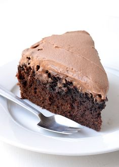 This is the BEST Chocolate Mud Cake recipe. Perfectly moist with plenty of chocolate flavour, it's a super easy cake to make and the milk chocolate frosting just puts it over-the-top. White Chocolate Desserts, Chocolate Mud Cake, Best Chocolate, Chocolate Flavors, Chocolate Recipes, Chocolate Heaven, Easy Cakes To Make, How To Make Cake, Types Of Cake Flavors