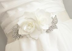 beautiful-Sash-Belt-with-flowers.jpg 736×525 pixels