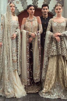 Samarkand Bridal Wear Collection 2018 by Sania Maskatiya Samarkand Bridal Wear Kollektion 2018 von Sania Maskatiya - Niftilicious Pakistani Wedding Outfits, Indian Bridal Outfits, Pakistani Wedding Dresses, Indian Dresses, Pakistani Bridal Couture, Asian Bridal Dresses, Eid Dresses, Party Dresses, La Bayadere