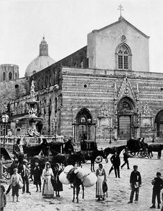 Piazza Duomo ai primi del '900 Messina, Louvre, Building, Travel, Viajes, Buildings, Trips, Construction, Tourism