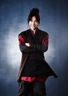 Lee Seung Gi reveals he lost 6.6 lbs for his role on 'Book of the House of Gu'