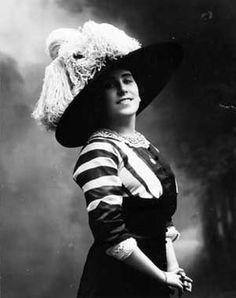 Lucrezia Bori, soprano. 1900