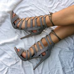No cage can hold you, but these heels definitely have your attention.