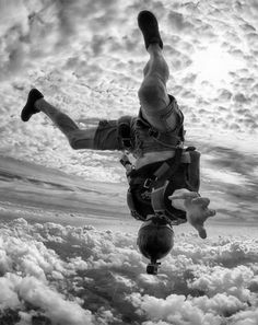 I gotta do this again!!!! This is the best thing you'll ever do. GO SKYDIVING!
