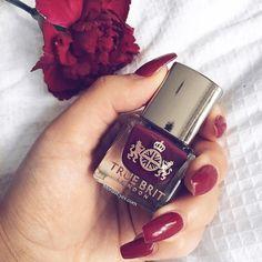Monday's Mani calls for a touch of regal red wearing @truebritlondon H.R.H #mondaymani #truebritlondon #mondaymotivation #Red #HRH #Bbloggersuk #Beautyblogger #beautyjunkie #beautyaddict #makeuplover #makeup #mylook #monaseyes #nailsdid #autumn #myfavourites #love #october3rd #instagood #instabeauty #instadaily #instanails