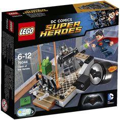 LEGO Super Heroes 76044 Batman: Clash of Heroes. Get set for a Batman™ v Superman™ rooftop duel!