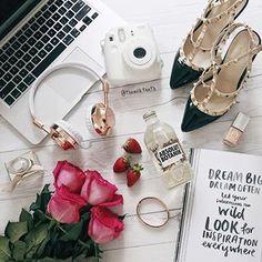 Instagram photo by flatlay_tips - So elegant! > @themilkteeth