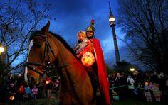 St Martinstag | St. Martin zieht mit seinem Knappen am Samstag, den 12. November 2011 ...