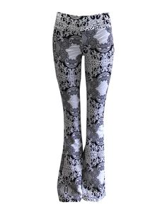 Calca flare floral jacquard - LucyintheSky  http://www.lucyinthesky.com.br/calca-flare-floral-jacquard-153439/p?utm_medium=e-mail&utm_campaign=New+Basic.+Estilo+e+sofistica%C3%A7%C3%A3o+com+um+super+pre%C3%A7o%21&utm_content=new+basic&utm_source=mail2easy&utm_term=lucyinthesky