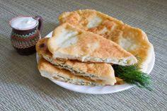 Placinta ardeleneasca, umpluta cu branza sarata Romanian Food, Romanian Recipes, Cooking Recipes, Ethnic Recipes, Homemade Food, Puddings, Essen, Chef Recipes, Custard Pudding