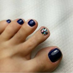 121 amazing toe nail colors to choose in 2019 page 26 Fall Pedicure, Pedicure Colors, Pedicure Nail Art, Pedicure Designs, Toenail Designs Fall, Toe Nail Designs For Fall, Toe Nail Color, Toe Nail Art, Nail Colors