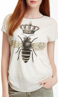 I THINK I MAY NEED THIS QUEEN BEE TEE.