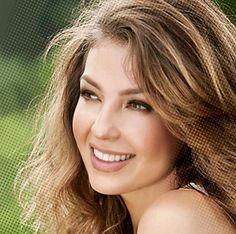 Thalía9 Thalia, Beautiful Women Pictures, Gorgeous Women, Beautiful Eyes, Most Beautiful, Divas, Star Actress, Dark Blonde, Portrait Photo